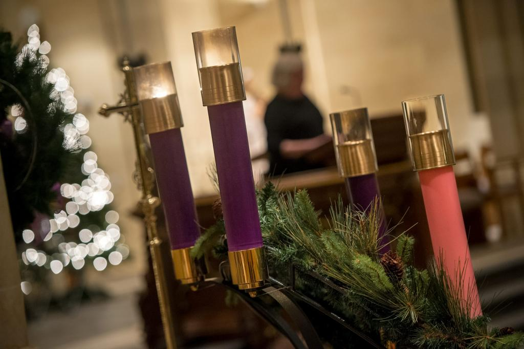 An Advent wreath is seen near the altar during the Festival of Advent Lessons Dec. 15 at Sacred Heart Cathedral.