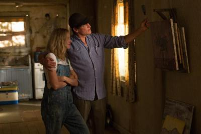 "Naomi Watts and Woody Harrelson star in a scene from the movie ""The Glass Castle."""