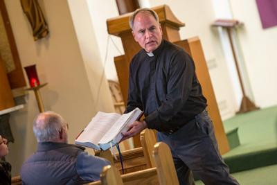 Father Michael Fowler leads a Lenten retreat at St. Paul of the Cross Church in Honeoye Falls March 23.