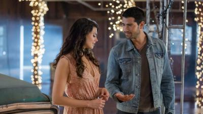 "Meghan Ory and Jesse Metcalfe star in Hallmark series ""Chesapeake Shores"" which returns for second season Aug. 6."